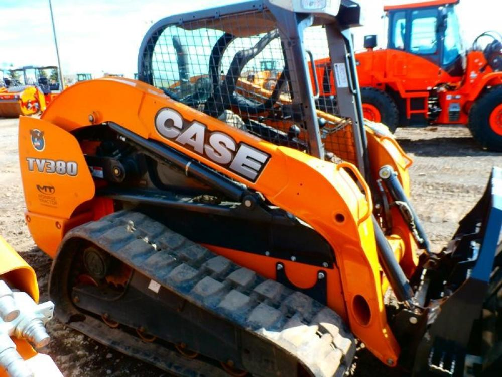 Detail photo of 2013 Case TV380 from Construction Equipment Guide