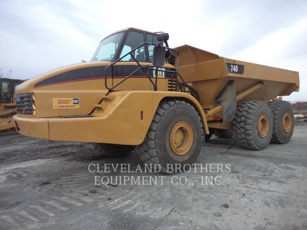 Detail photo of 2003 Caterpillar 740 from Construction Equipment Guide