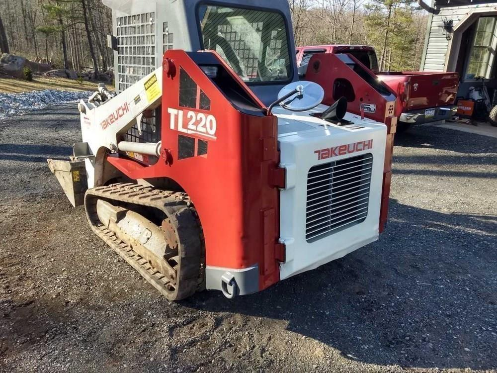 Detail photo of 2008 Takeuchi TL220 from Construction Equipment Guide