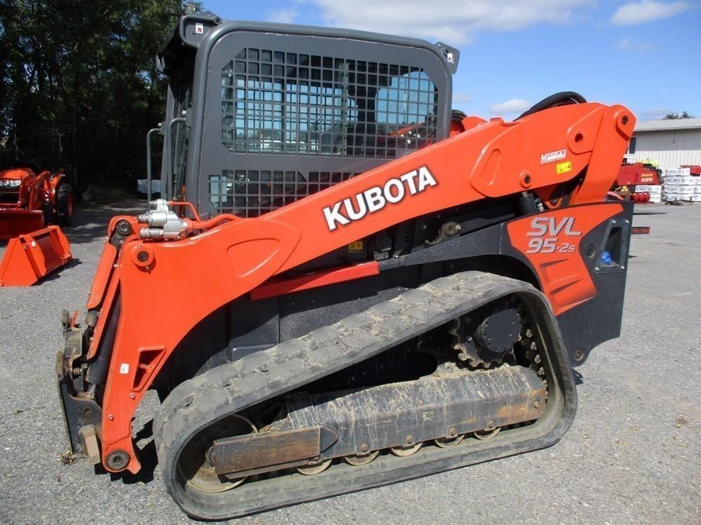 Detail photo of 2016 Kubota SVL95-2S from Construction Equipment Guide
