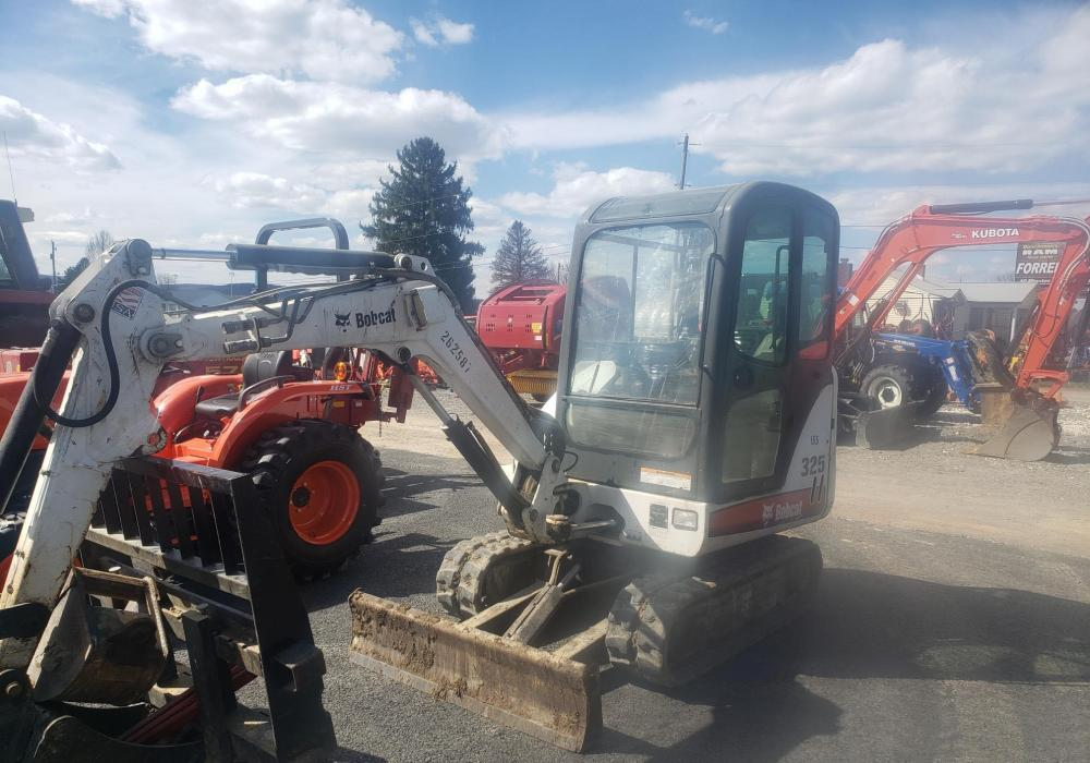 Detail photo of 2008 Bobcat 325G from Construction Equipment Guide