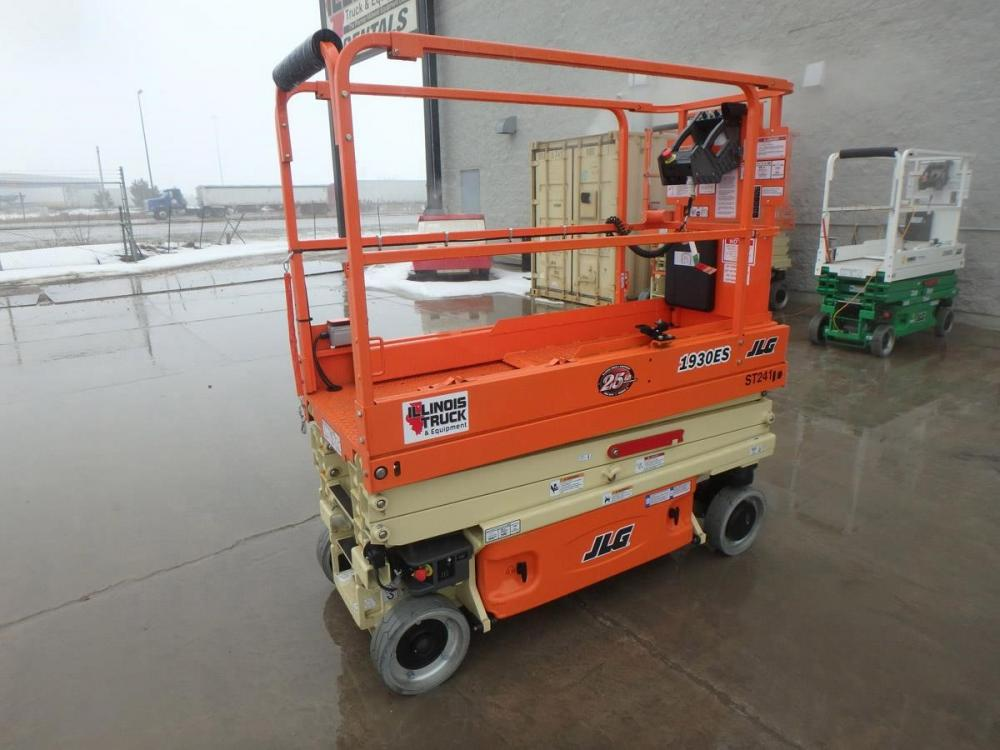 Detail photo of 2018 JLG 1930ES from Construction Equipment Guide
