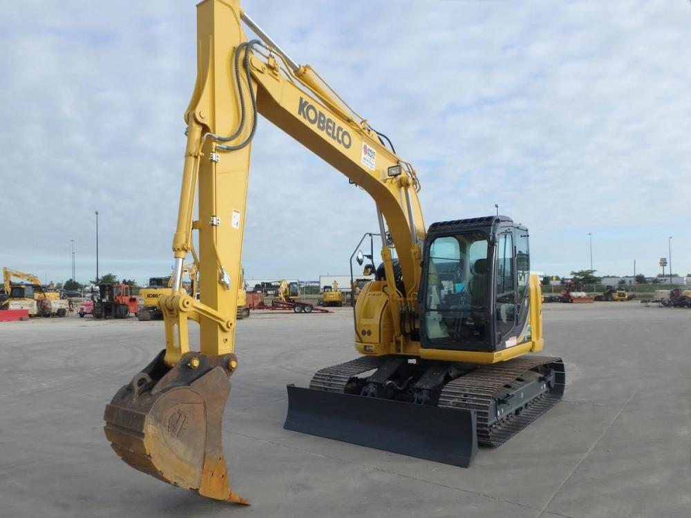 Detail photo of 2017 Kobelco SK140SR LC-5 from Construction Equipment Guide