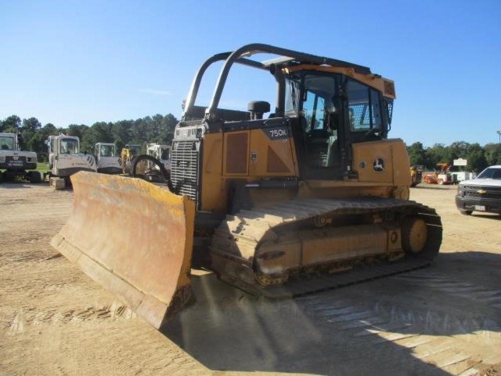 Detail photo of 2014 John Deere 750K LGP from Construction Equipment Guide