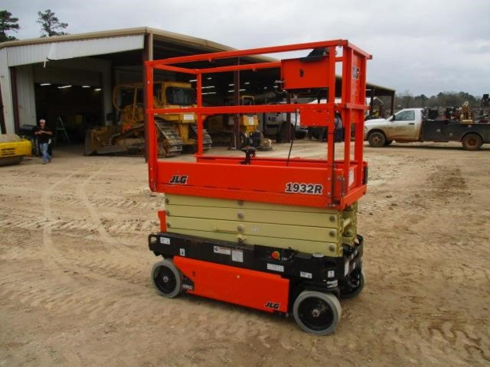 Detail photo of 2017 JLG 1932RS from Construction Equipment Guide