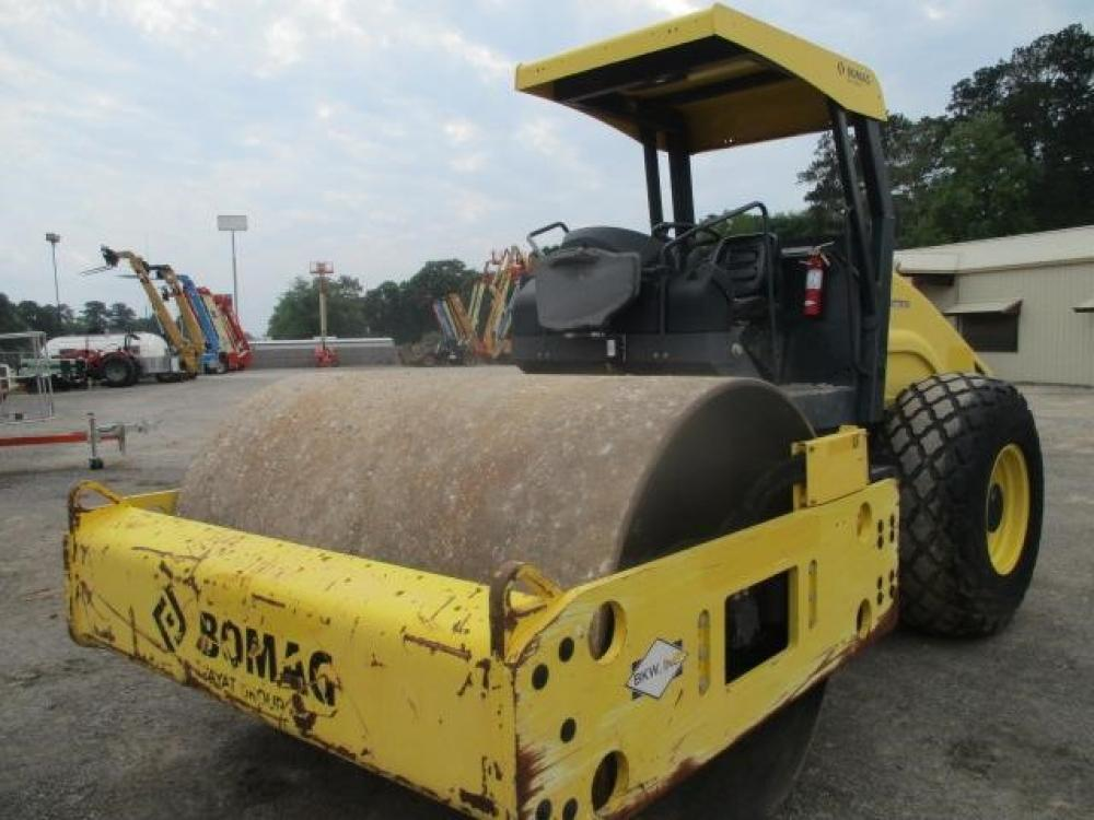 Detail photo of 2014 Bomag BW 211 D-50 from Construction Equipment Guide