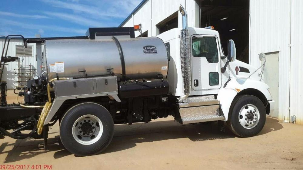 Detail photo of 2018 Etnyre 1000 GAL from Construction Equipment Guide