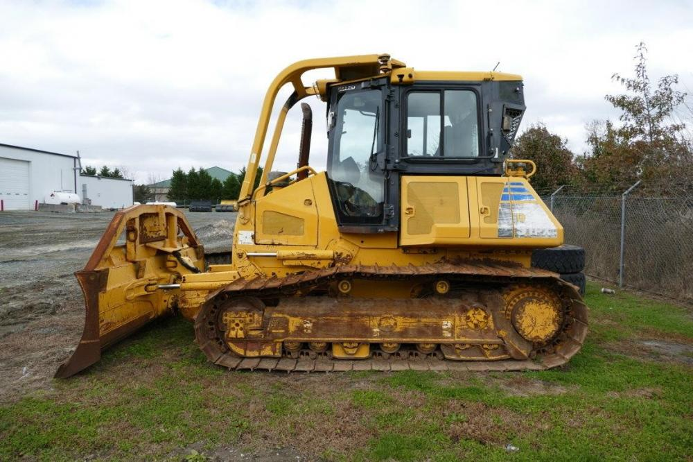 Detail photo of 2007 Komatsu D51PX-22 from Construction Equipment Guide
