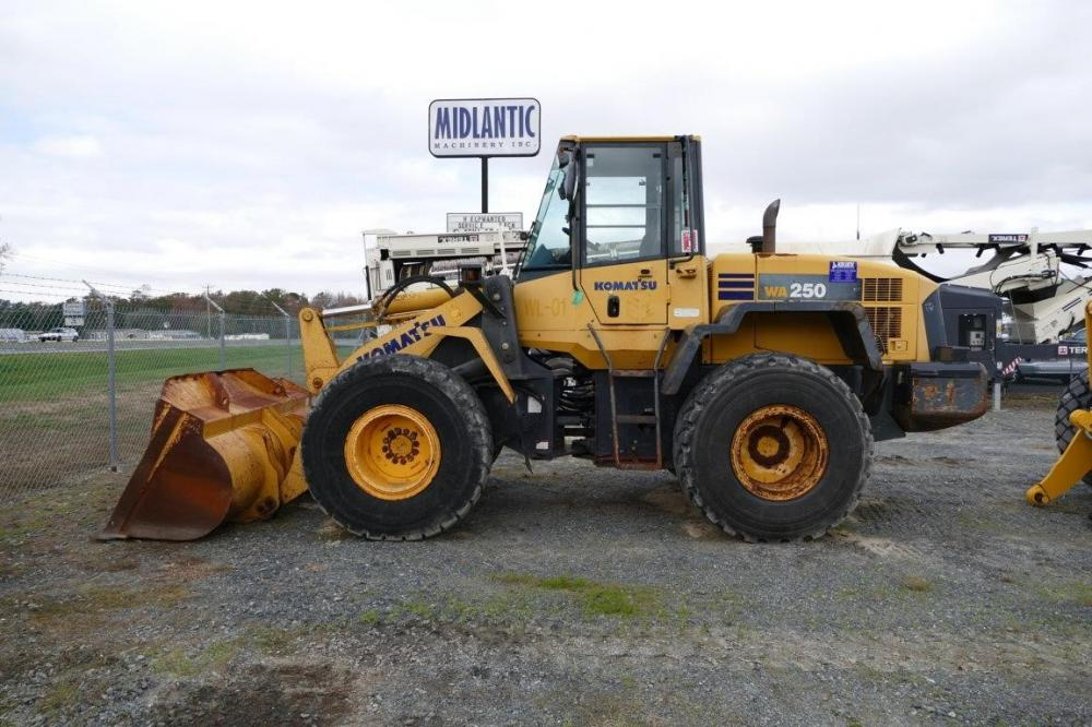 Detail photo of 2006 Komatsu WA250-5L from Construction Equipment Guide