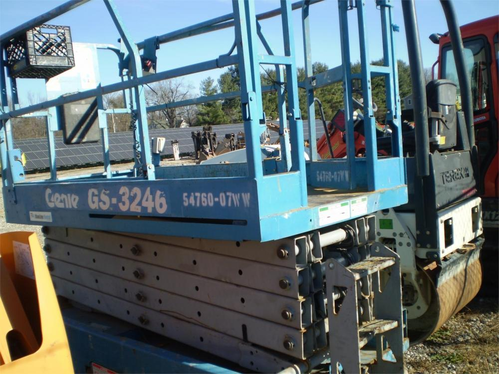 Detail photo of  Genie GS-3246 from Construction Equipment Guide