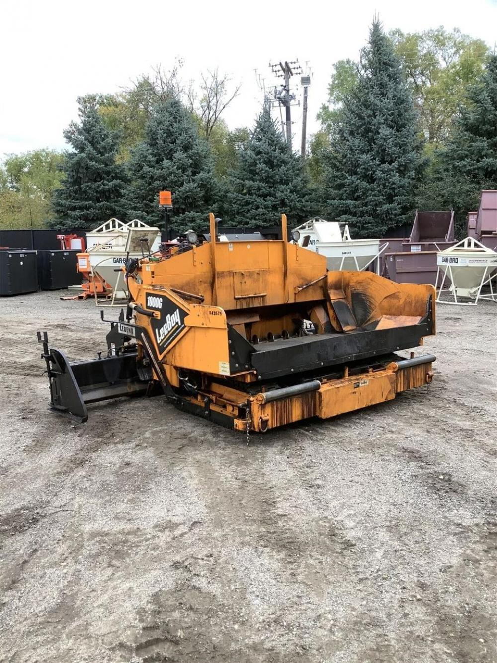Detail photo of 2018 LeeBoy 1000G from Construction Equipment Guide
