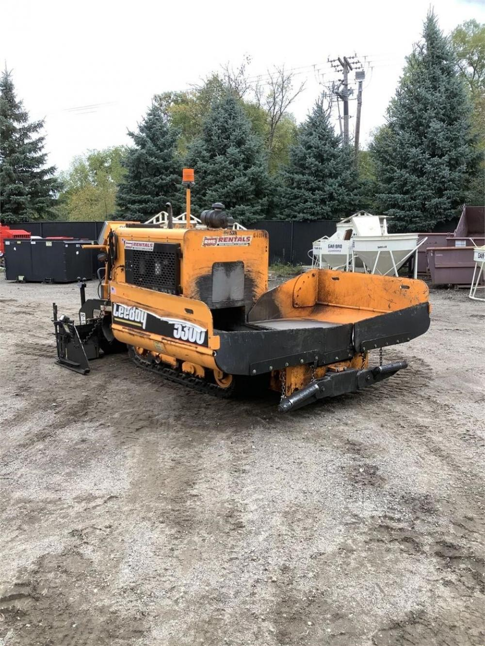 Detail photo of 2017 LeeBoy 5300 from Construction Equipment Guide