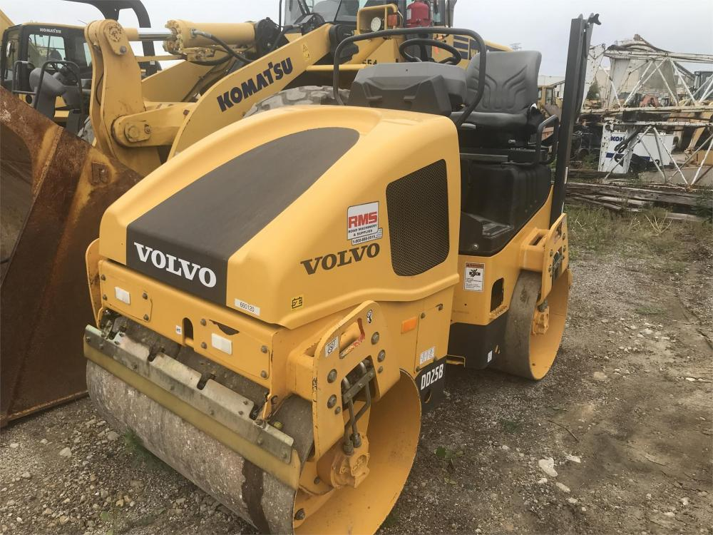 Detail photo of 2015 Volvo DD25B from Construction Equipment Guide