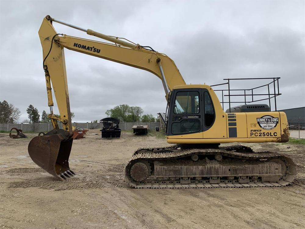 Detail photo of 1998 Komatsu PC250LC-6 from Construction Equipment Guide