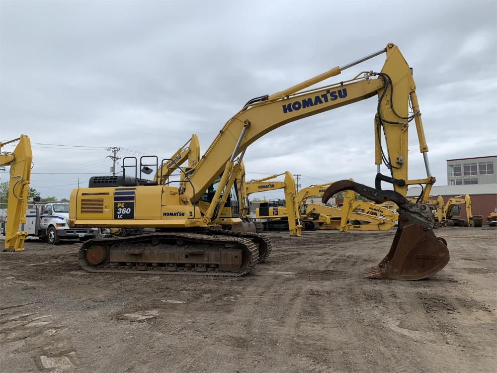 Detail photo of 2016 Komatsu PC360LC-10 from Construction Equipment Guide