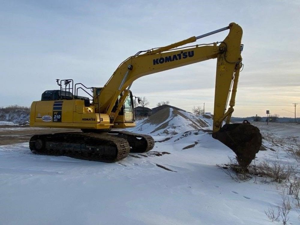Detail photo of 2018 Komatsu PC210LC from Construction Equipment Guide