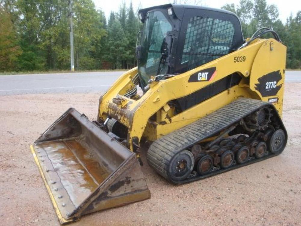 Detail photo of 2010 Caterpillar 277C from Construction Equipment Guide