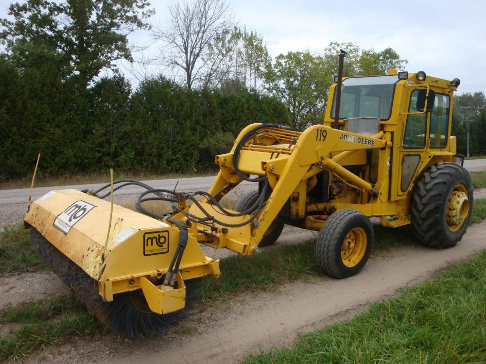 Detail photo of  John Deere 401D from Construction Equipment Guide