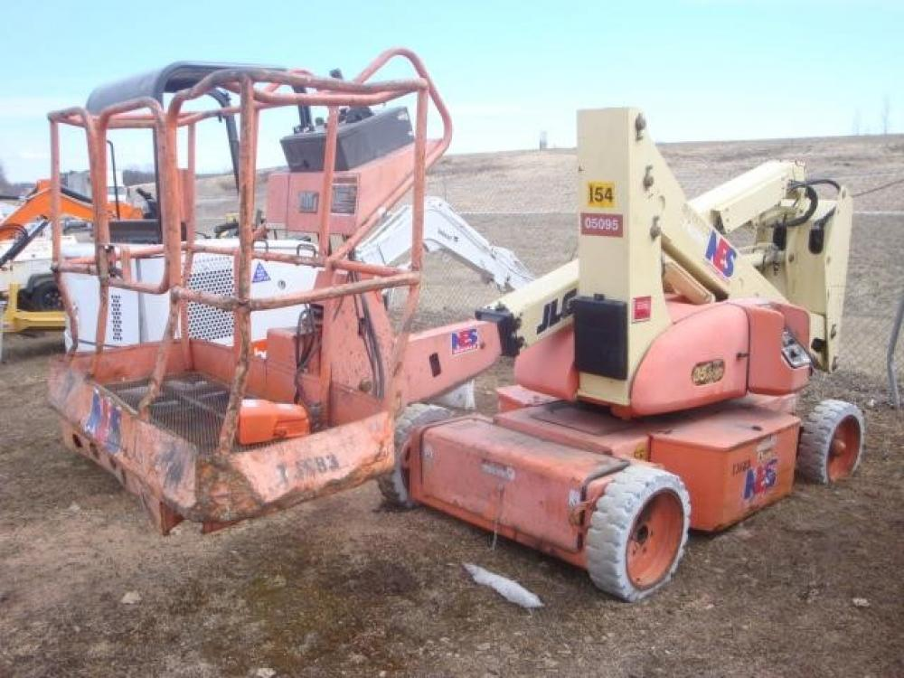 Detail photo of 1999 JLG 35E from Construction Equipment Guide