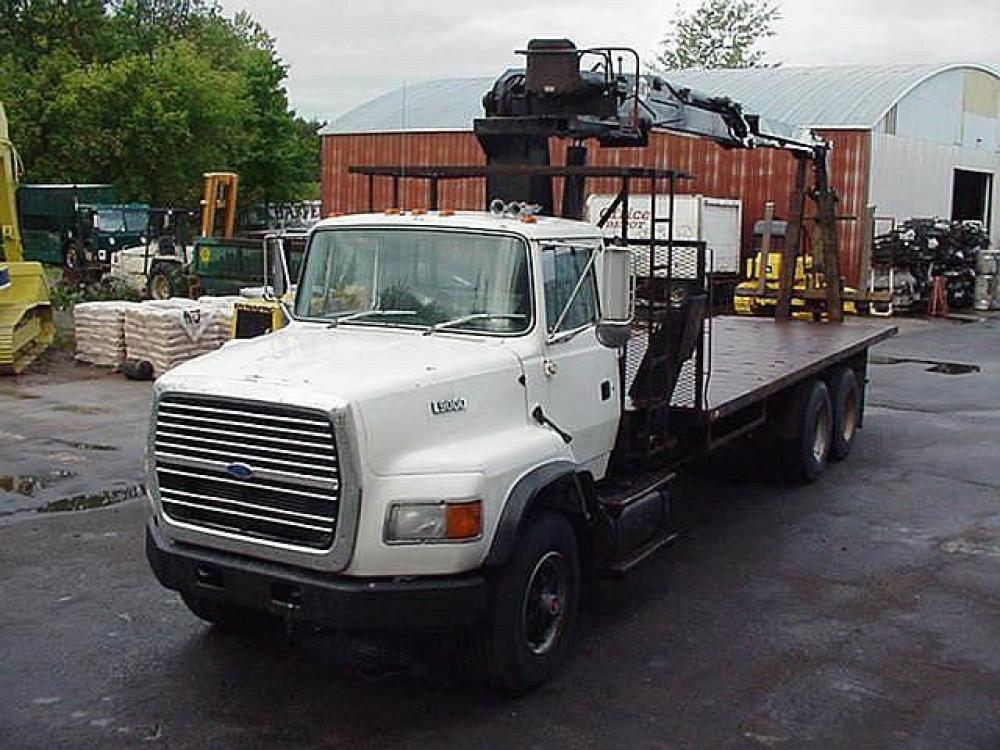 Detail photo of 1994 Ford LTS9000 from Construction Equipment Guide