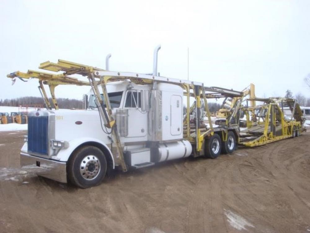 Detail photo of 2004 Peterbilt 379EXHD from Construction Equipment Guide