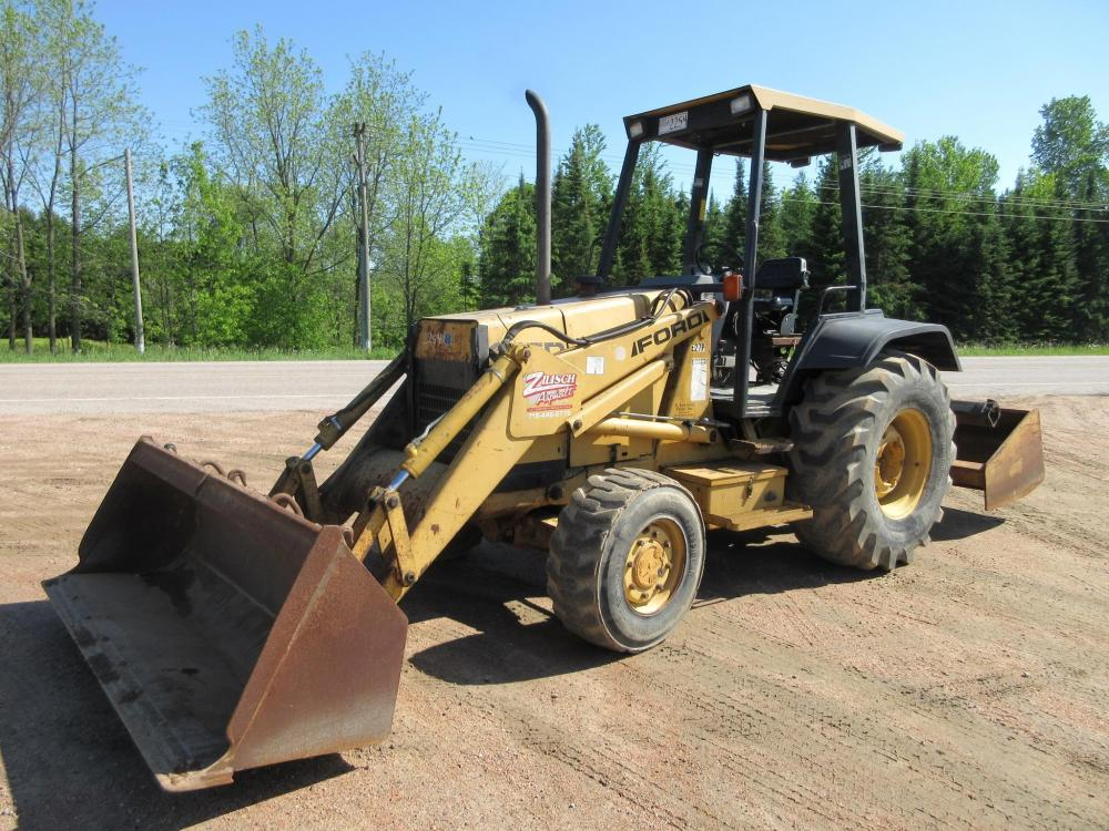 Detail photo of 1996 Ford 455D from Construction Equipment Guide