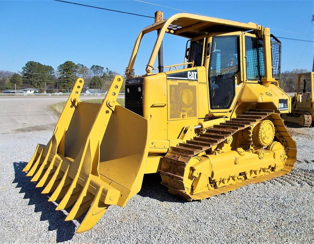 Detail photo of 2003 Caterpillar D5N XL from Construction Equipment Guide