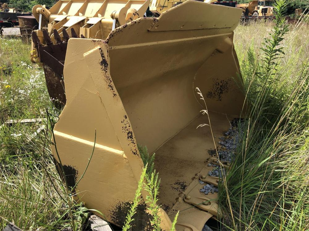 Detail photo of  Caterpillar 955K/L BUCKET from Construction Equipment Guide