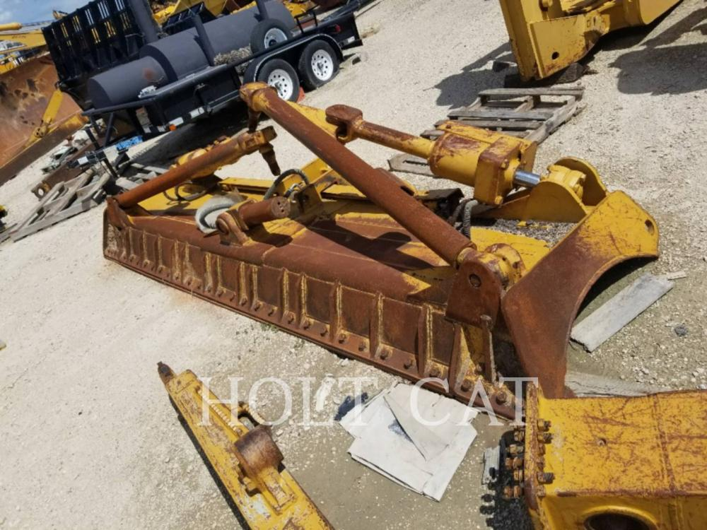Detail photo of  Caterpillar D8T A BLD from Construction Equipment Guide