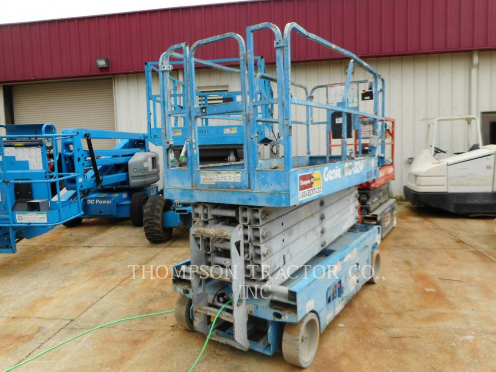 Detail photo of 2013 Genie 32 FT. ELECTRIC WIDE SCISSOR LIFT from Construction Equipment Guide