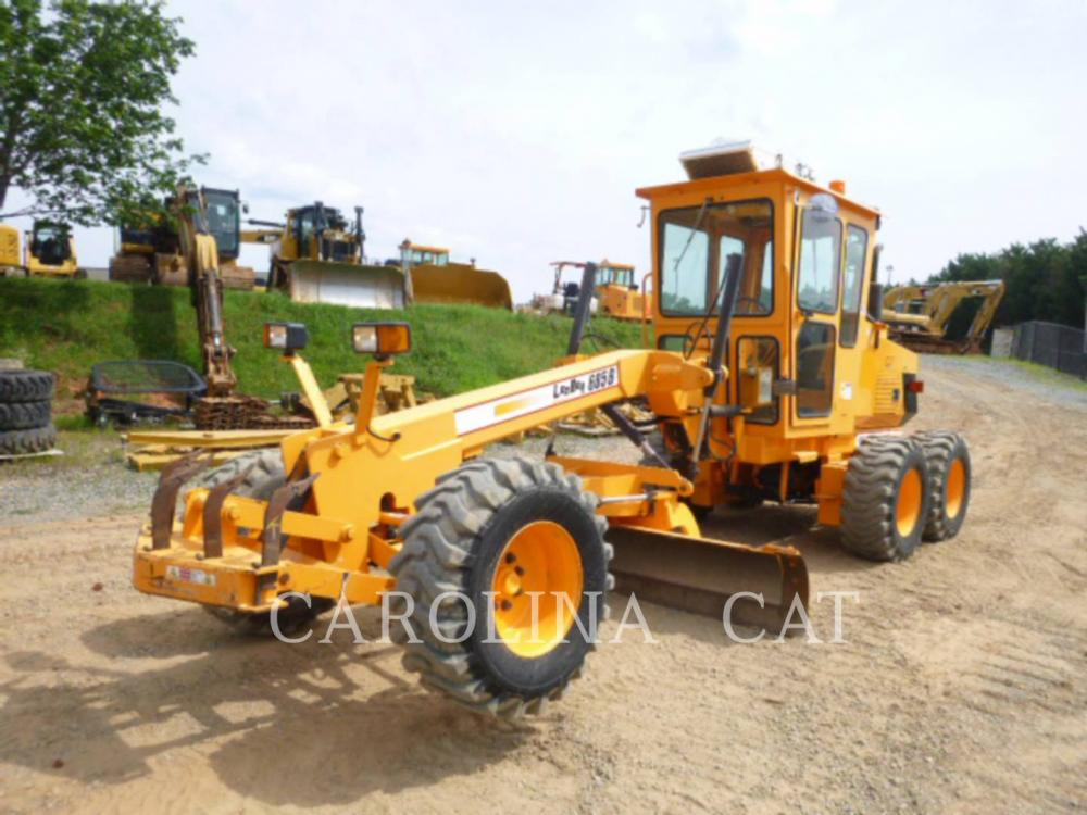 Detail photo of 2013 LeeBoy 685B from Construction Equipment Guide
