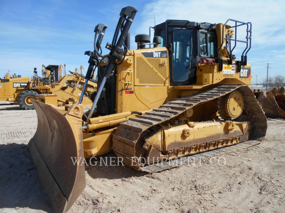Detail photo of 2015 Caterpillar D6T from Construction Equipment Guide