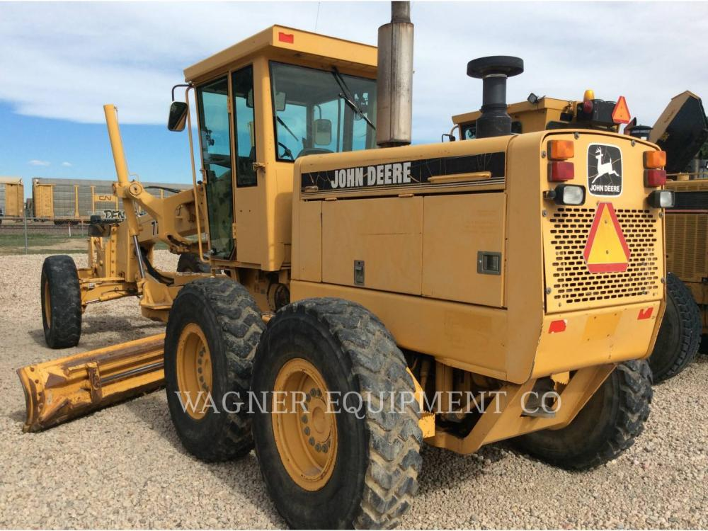 Detail photo of 1996 John Deere 770BH from Construction Equipment Guide