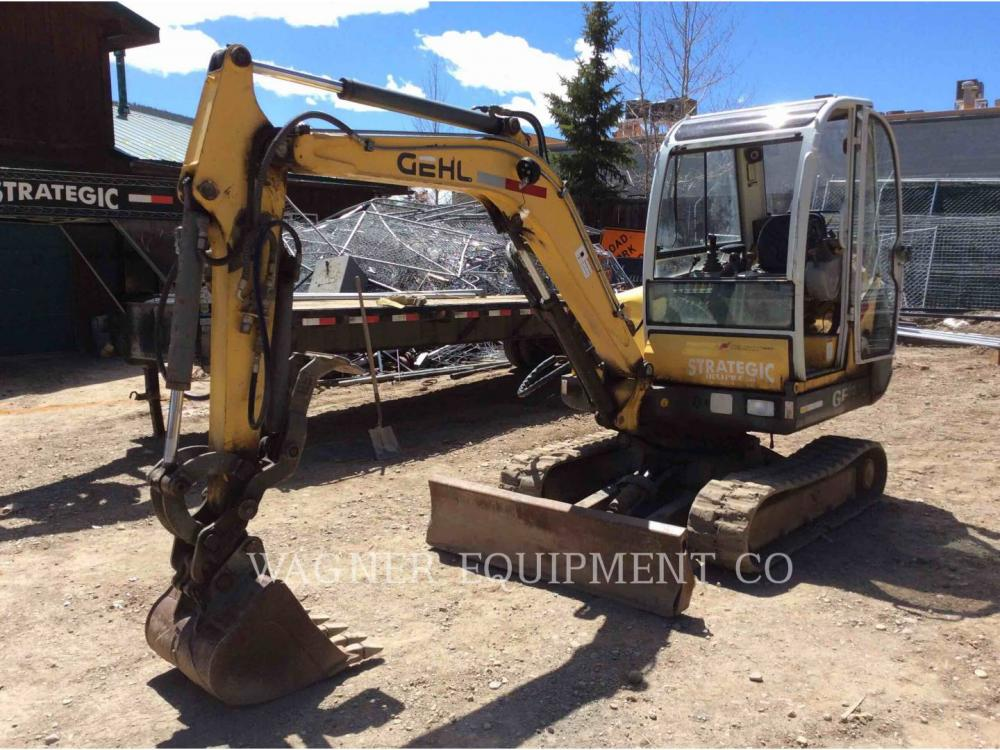 Detail photo of 2000 Gehl GE602 from Construction Equipment Guide