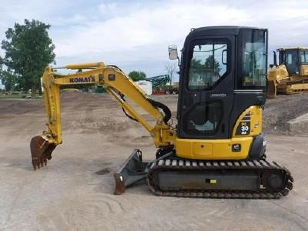 Detail photo of 2012 Komatsu PC30MR-3 from Construction Equipment Guide