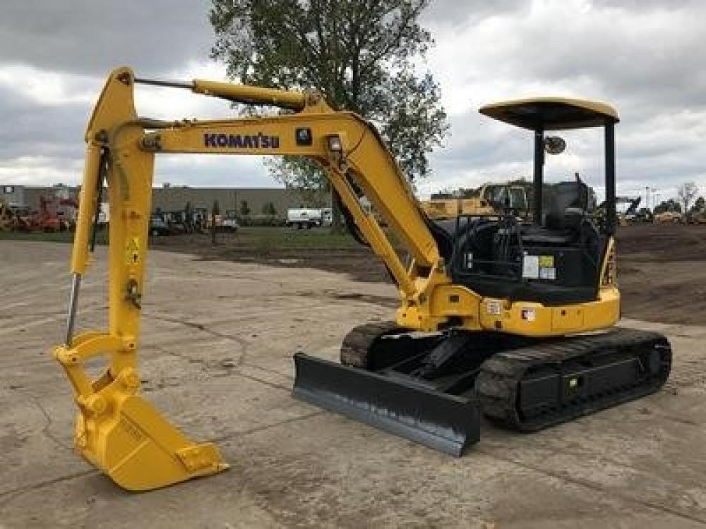 Detail photo of 2012 Komatsu PC40MR-3 from Construction Equipment Guide