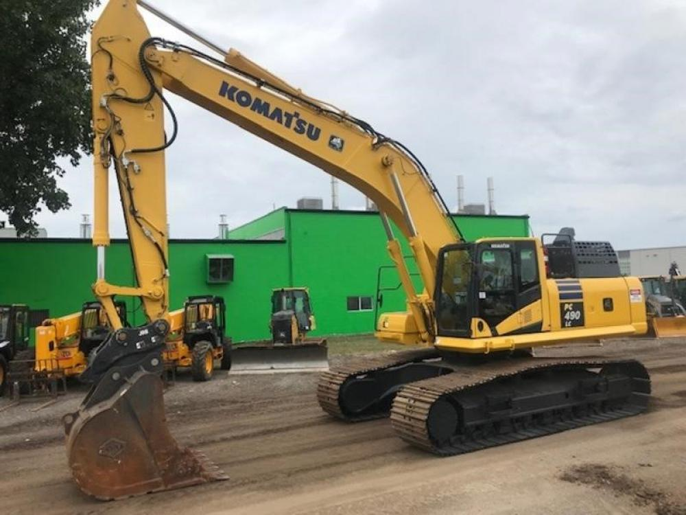 Detail photo of 2016 Komatsu PC490LC-11 from Construction Equipment Guide