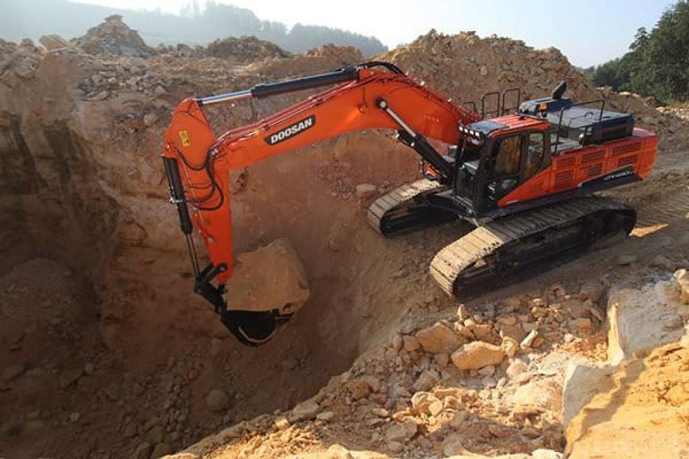 Detail photo of  Doosan DX490LC-5 from Construction Equipment Guide