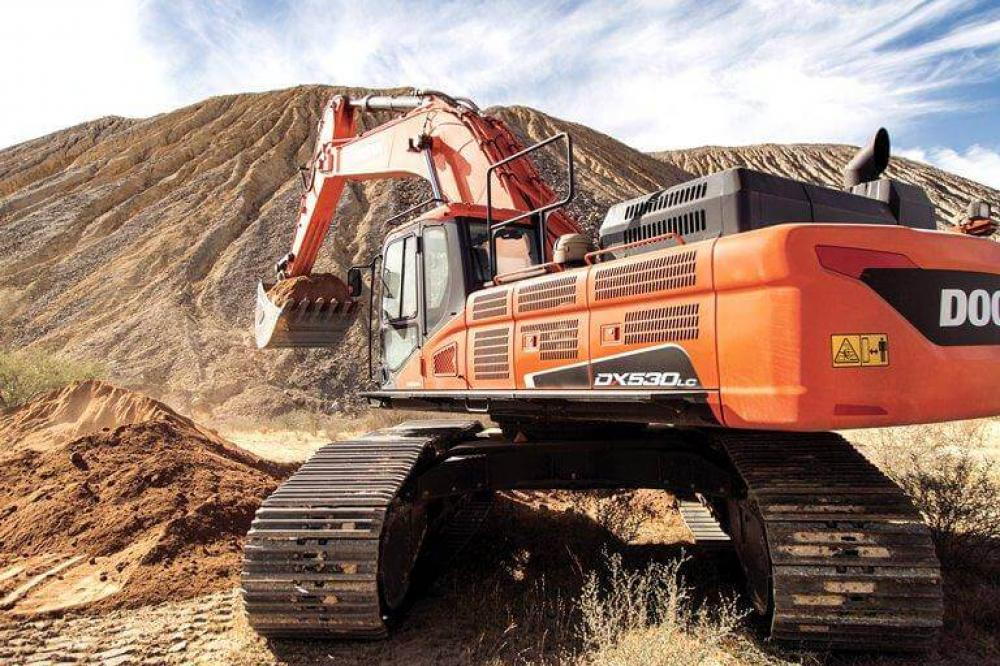 Detail photo of  Doosan DX530LC-5 from Construction Equipment Guide
