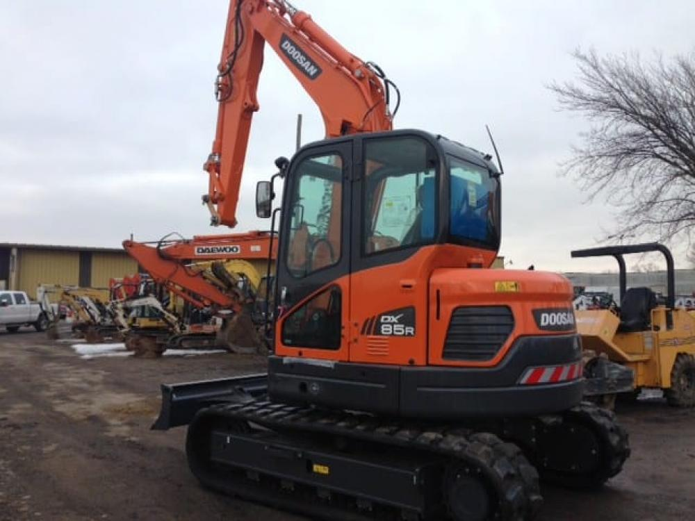 Detail photo of  Doosan DX85R-3 from Construction Equipment Guide