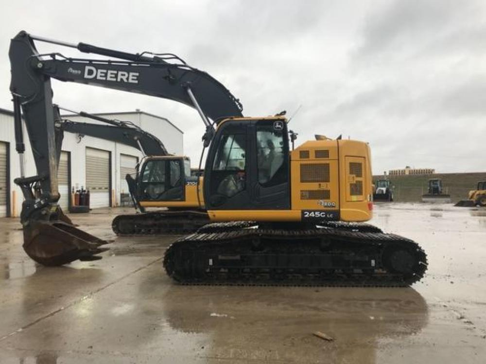 Detail photo of 2017 John Deere 245G from Construction Equipment Guide