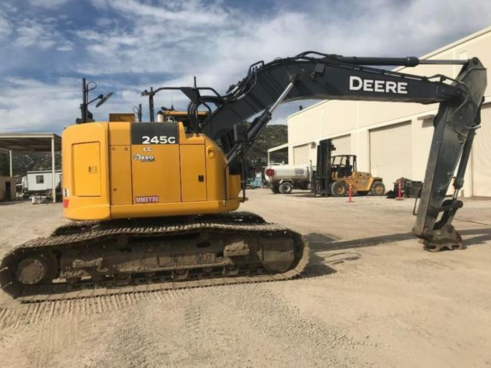 Detail photo of 2019 John Deere 245G from Construction Equipment Guide
