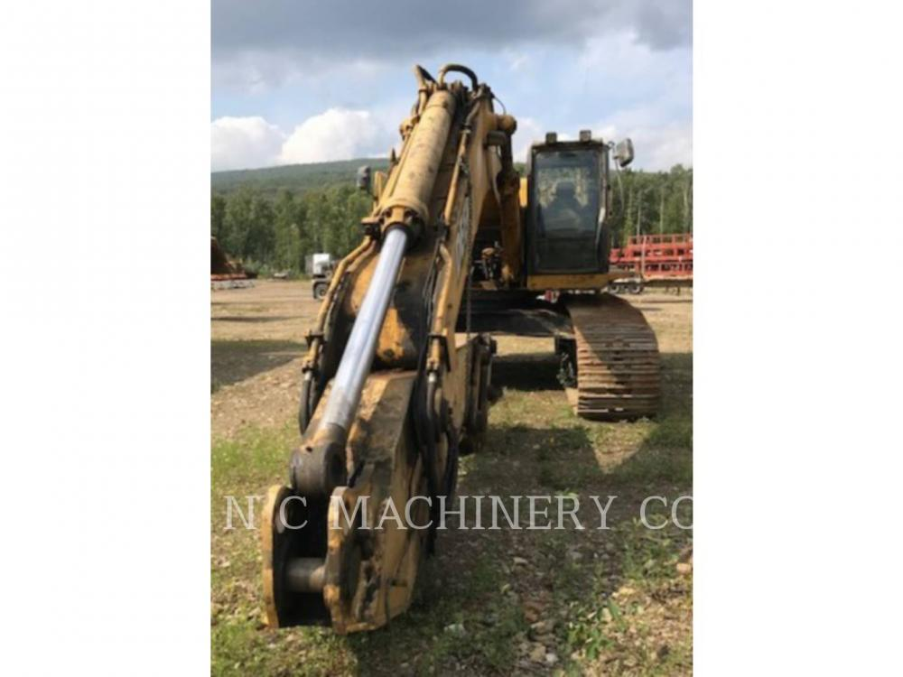 Detail photo of 2005 John Deere 600C LC from Construction Equipment Guide