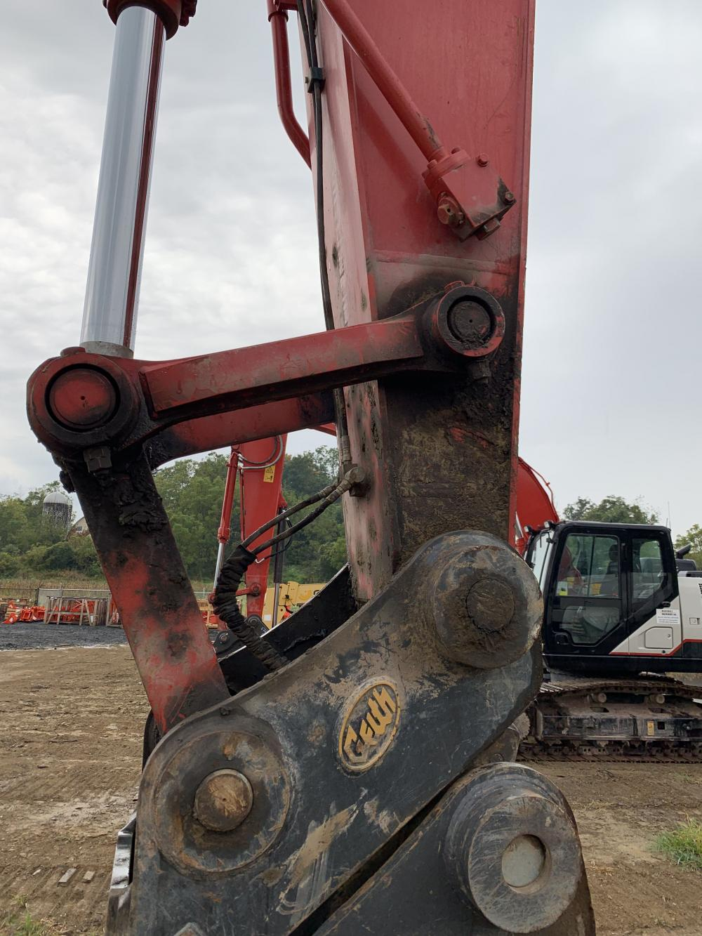 Detail photo of 2018 Link-Belt 350 X4 from Construction Equipment Guide
