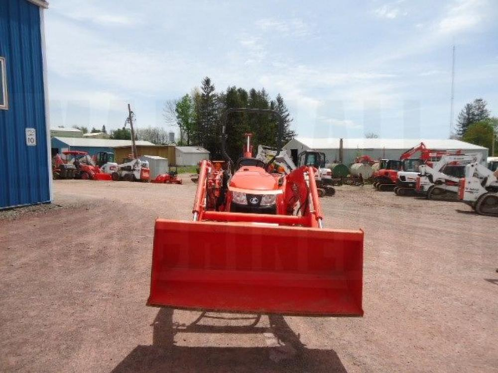 Detail photo of 2015 Kubota L3301HST 4X4 from Construction Equipment Guide