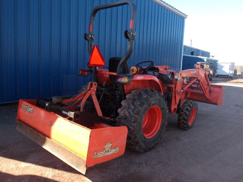 2015 Kubota L3301 For Sale (17111150) from Marshall