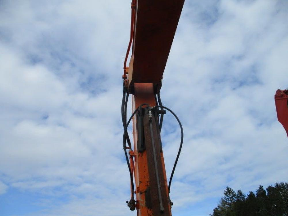 Detail photo of 2013 Doosan DX225 from Construction Equipment Guide