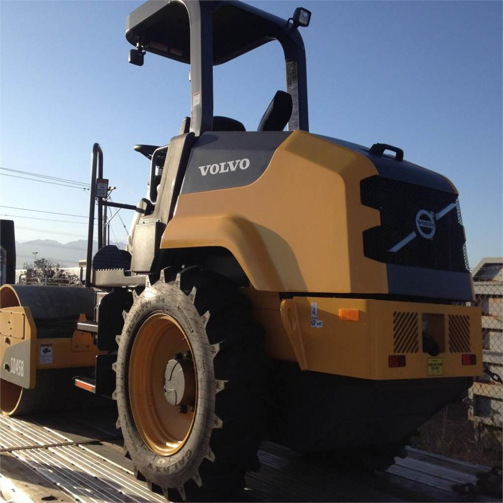 Detail photo of 2017 Volvo SD45B from Construction Equipment Guide