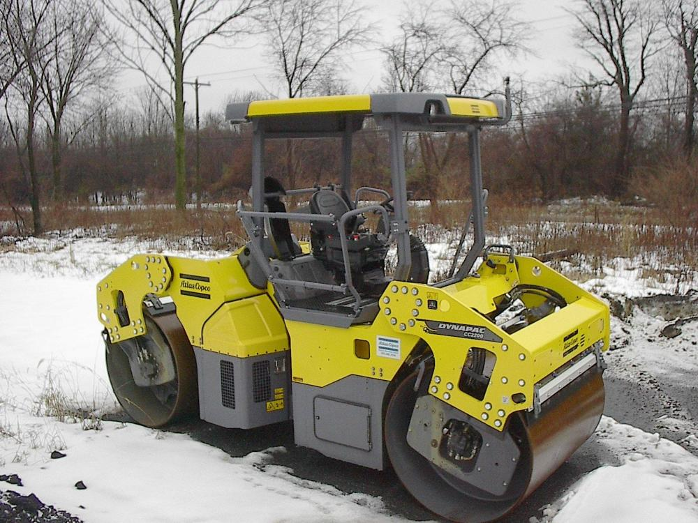 Detail photo of 2014 Dynapac CC2200 from Construction Equipment Guide
