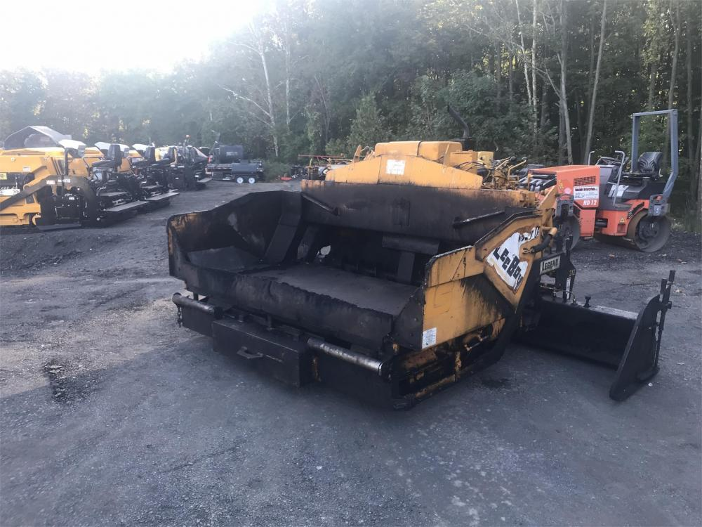 Detail photo of 2005 LeeBoy 1000T from Construction Equipment Guide